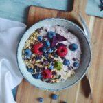 Overnight oats med vanilje, kokos og bær 1