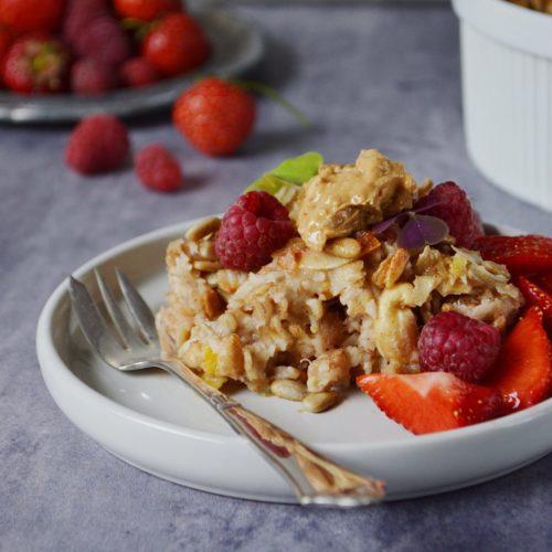 Bagt grød med kokos, sprøde nødder og bær! 3