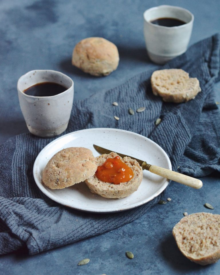 Hurtige og sunde morgenboller med kerner