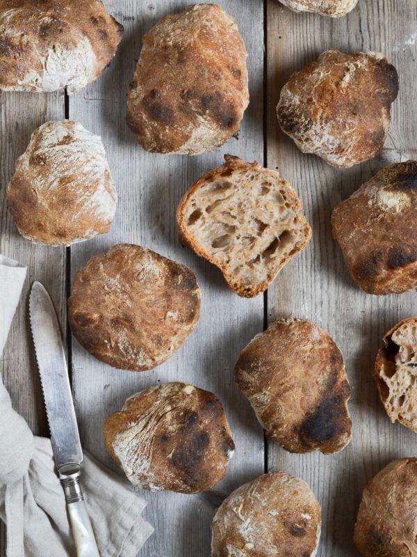 Surdejsboller – seje, sprøde og saftige!