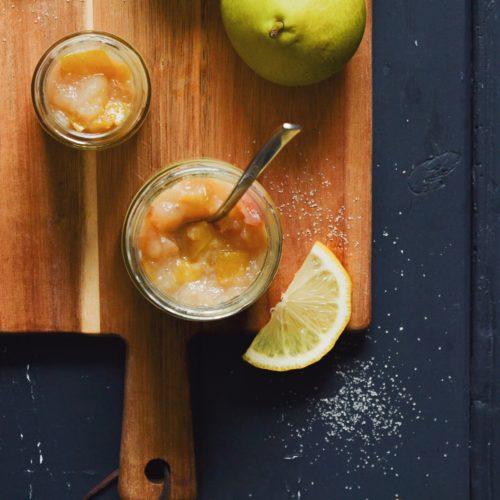 pæremarmelade-med-ingefaer-aeble-citron-rørsukker