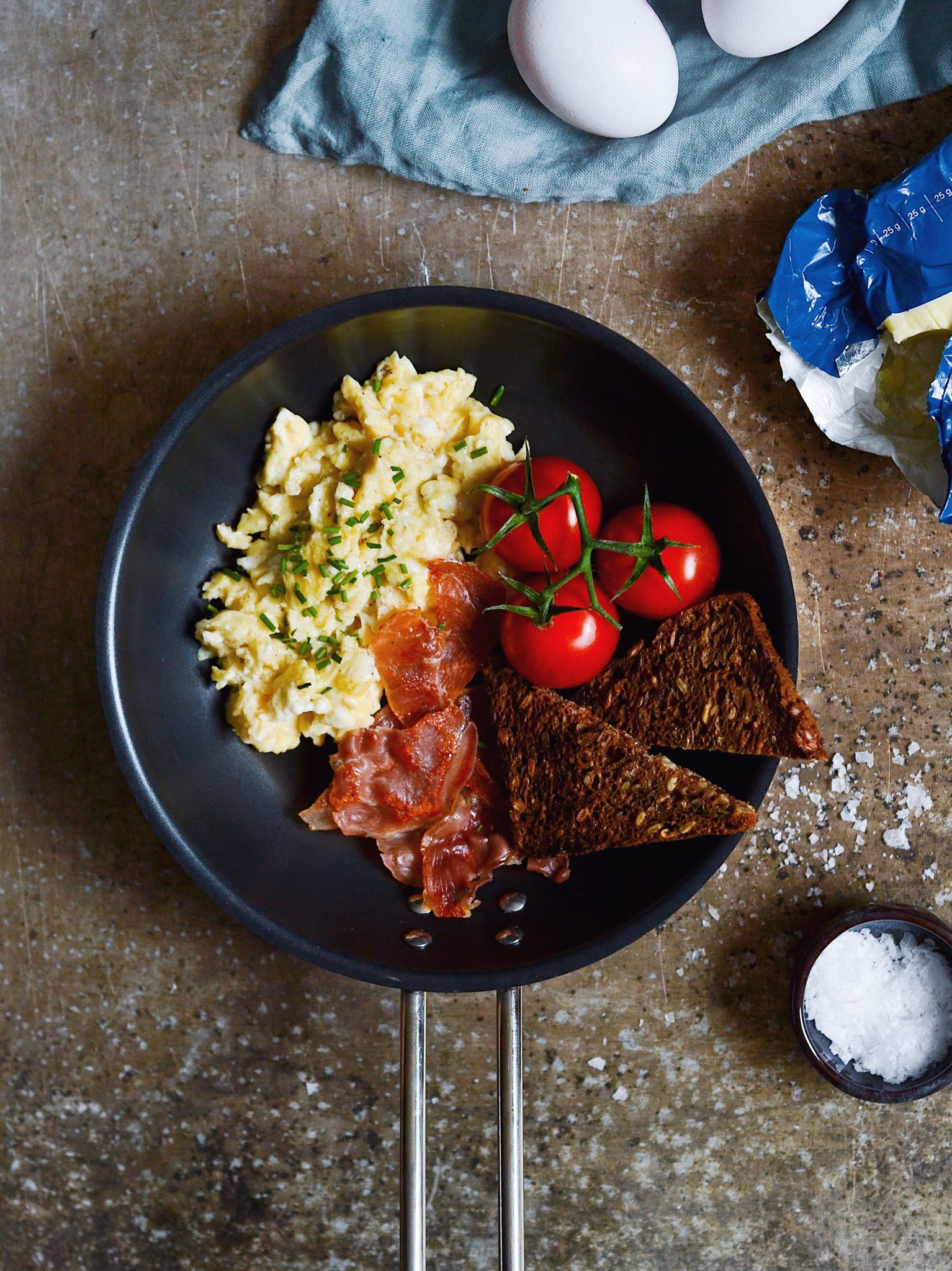 røræg cremede scramble eggs bedste opskrift