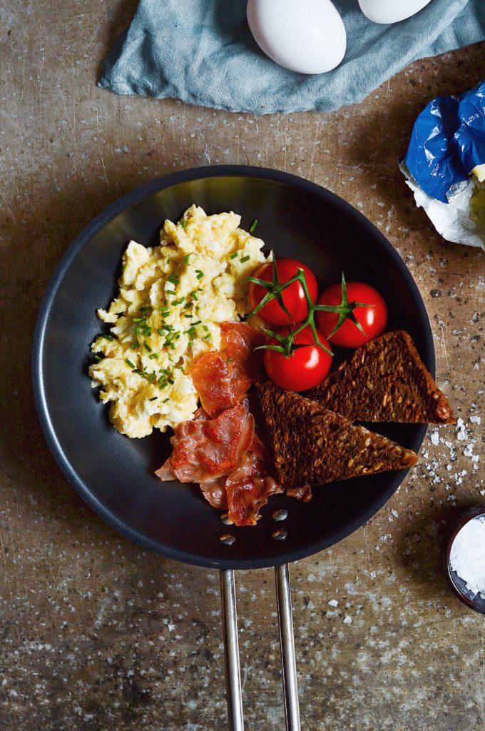 Røræg // cremede og luftige scramble eggs