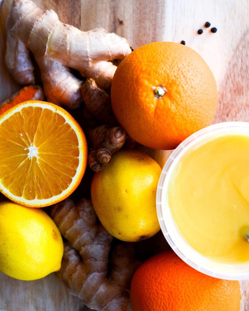 Ingefærshots med appelsin og gurkemeje