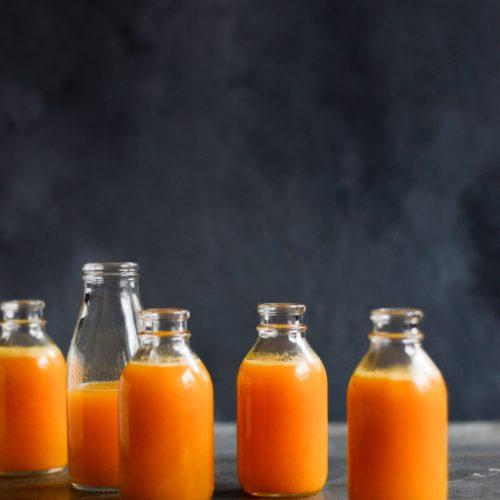 appelsinjuice-med-graeskar-