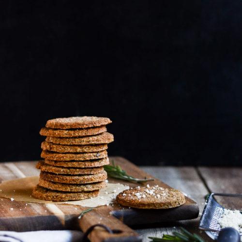 Kiks med rosmarin og parmesan