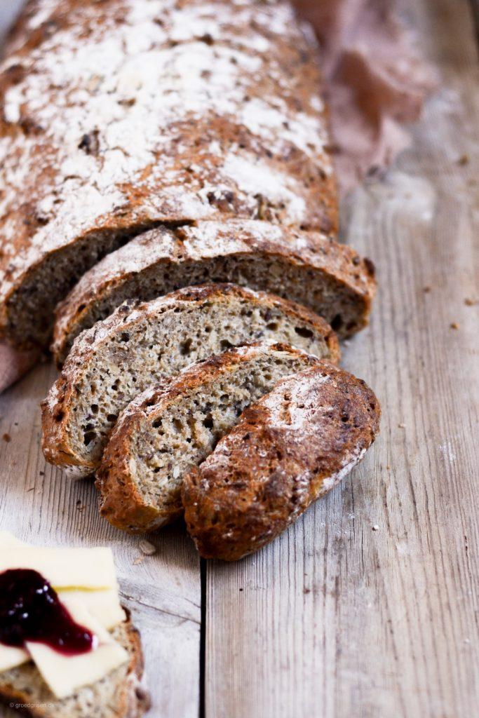 Koldhævet brød med grød