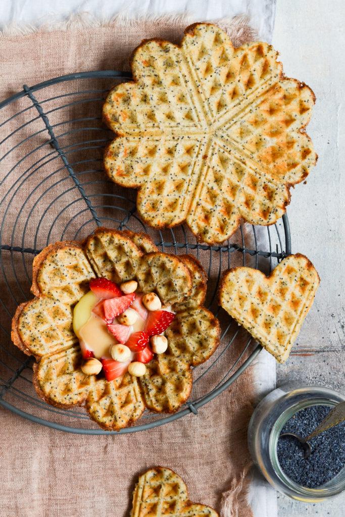 citronvafler-med-birkes-opskrift-madstyling-foodstyling-karamel-lemon-curd-karamel-jordbær-dessert-brunch-morgenmad-
