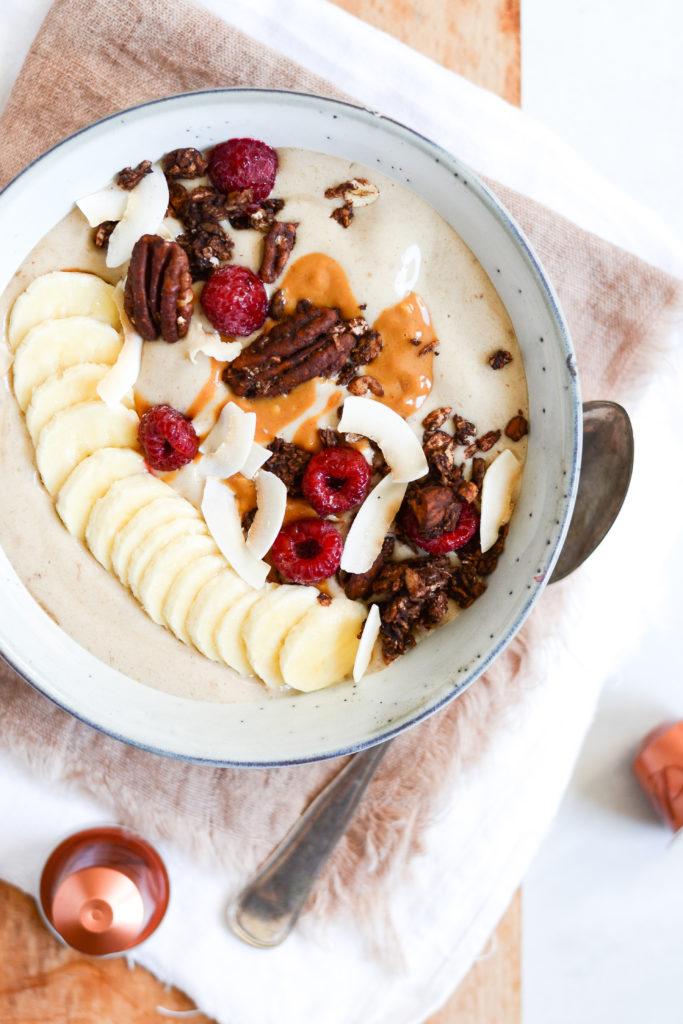 banansmoothie-med-peanutbutter-og-kaffe-opskrift-7