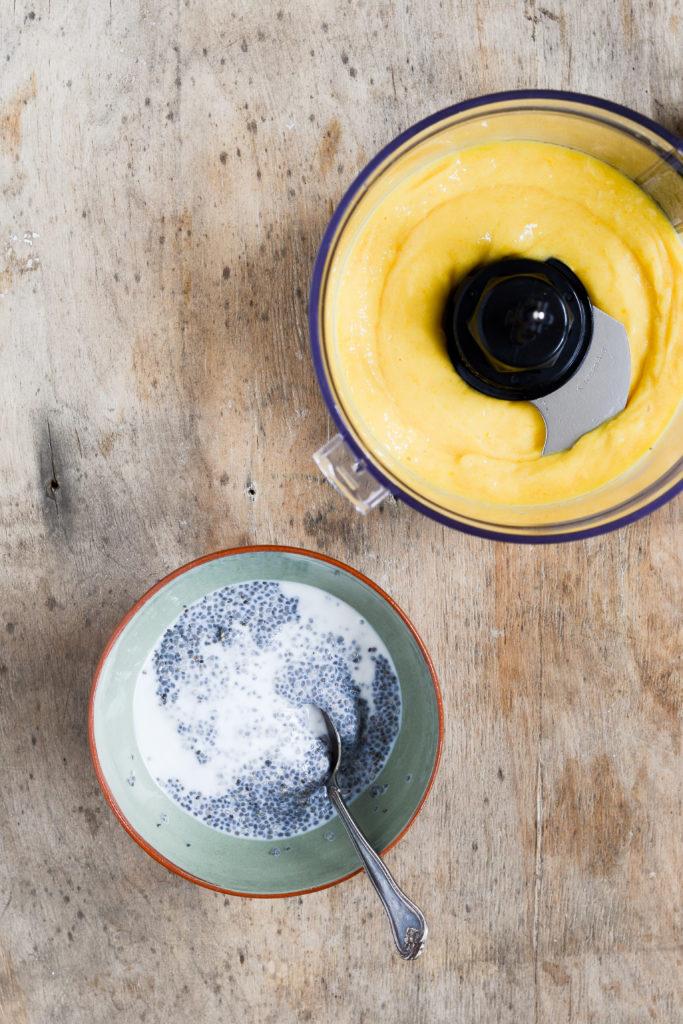 kokos-chiagroed-ananas-mango-opskrift