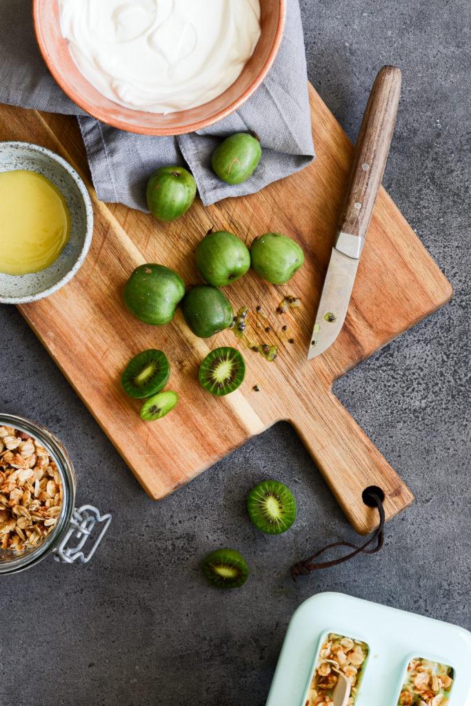 yoghurtis-kiwibaer-mysli-opskrift-nergi