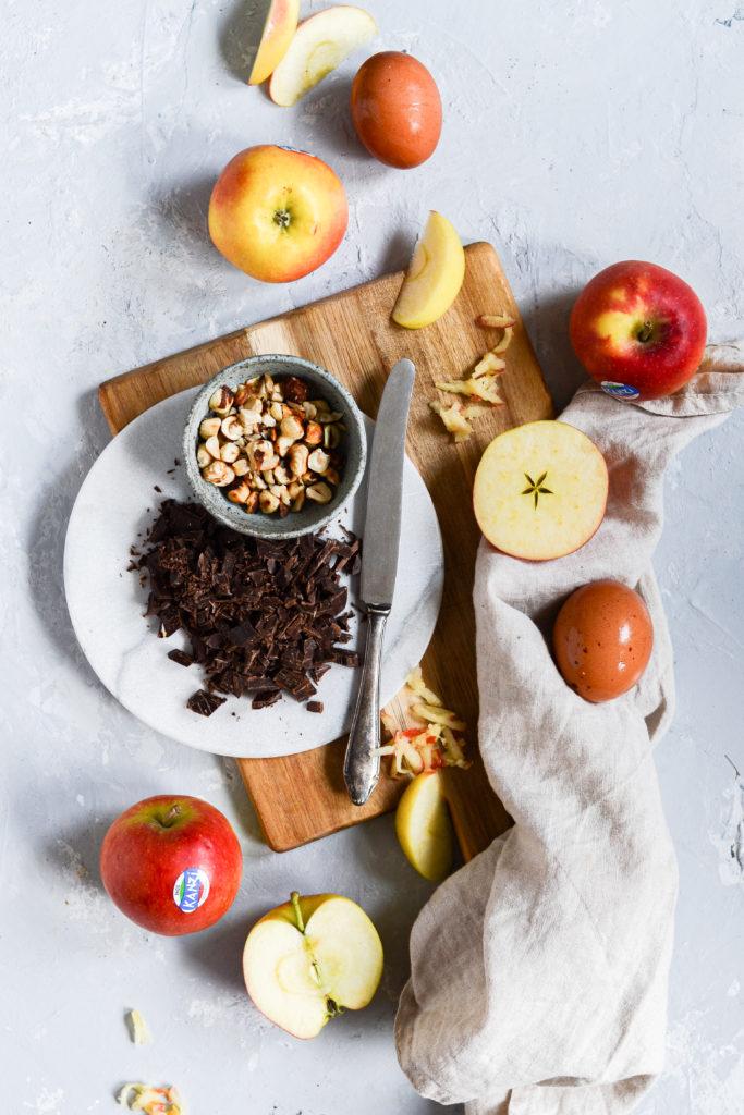 aeblebrud-hasselnødder-chokolade-kanel-opskrift-3