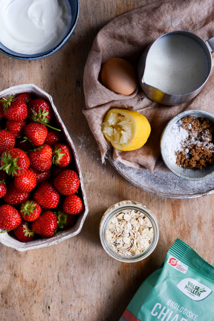 Koldskålsgrød med jordbær 2