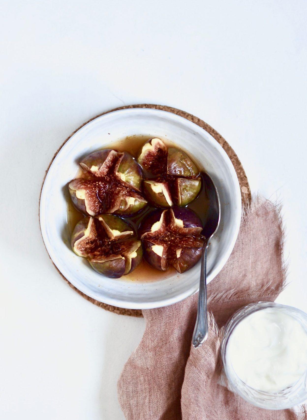 bagte figner med honning