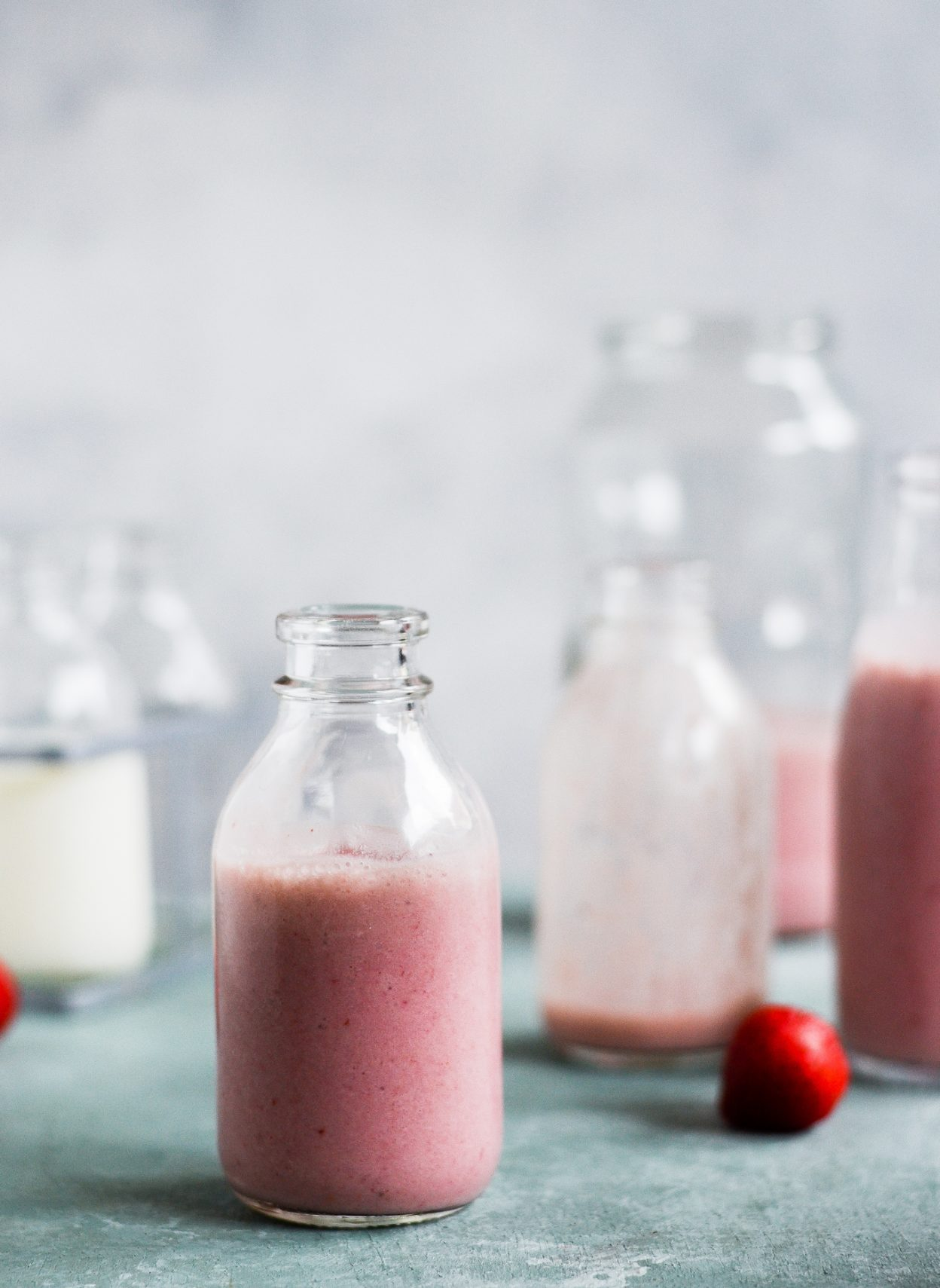 jordbær-milkshake-sund-opskrift