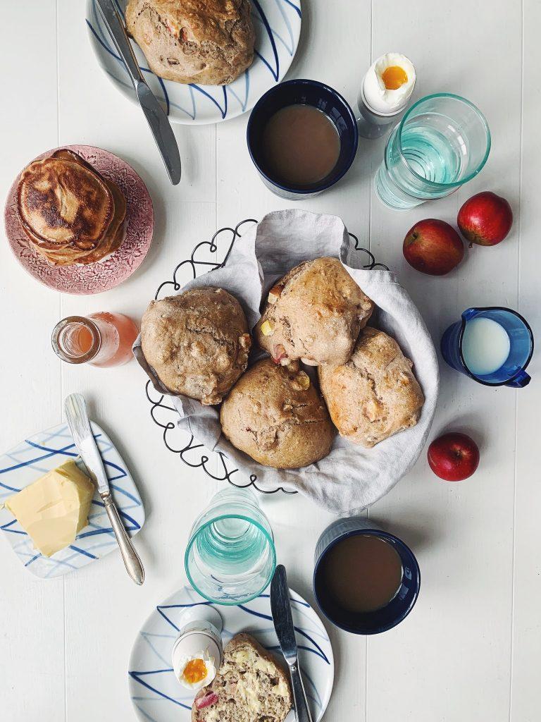 soendag-mogen-morgenbord-brunch-morgenmad-hygge-samsoe-sommerhus