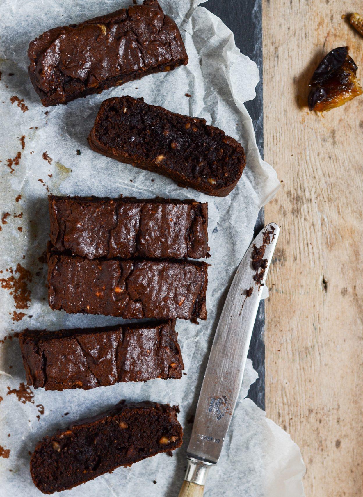 sundere-chokoladekage-med-dadler-og-squash-1