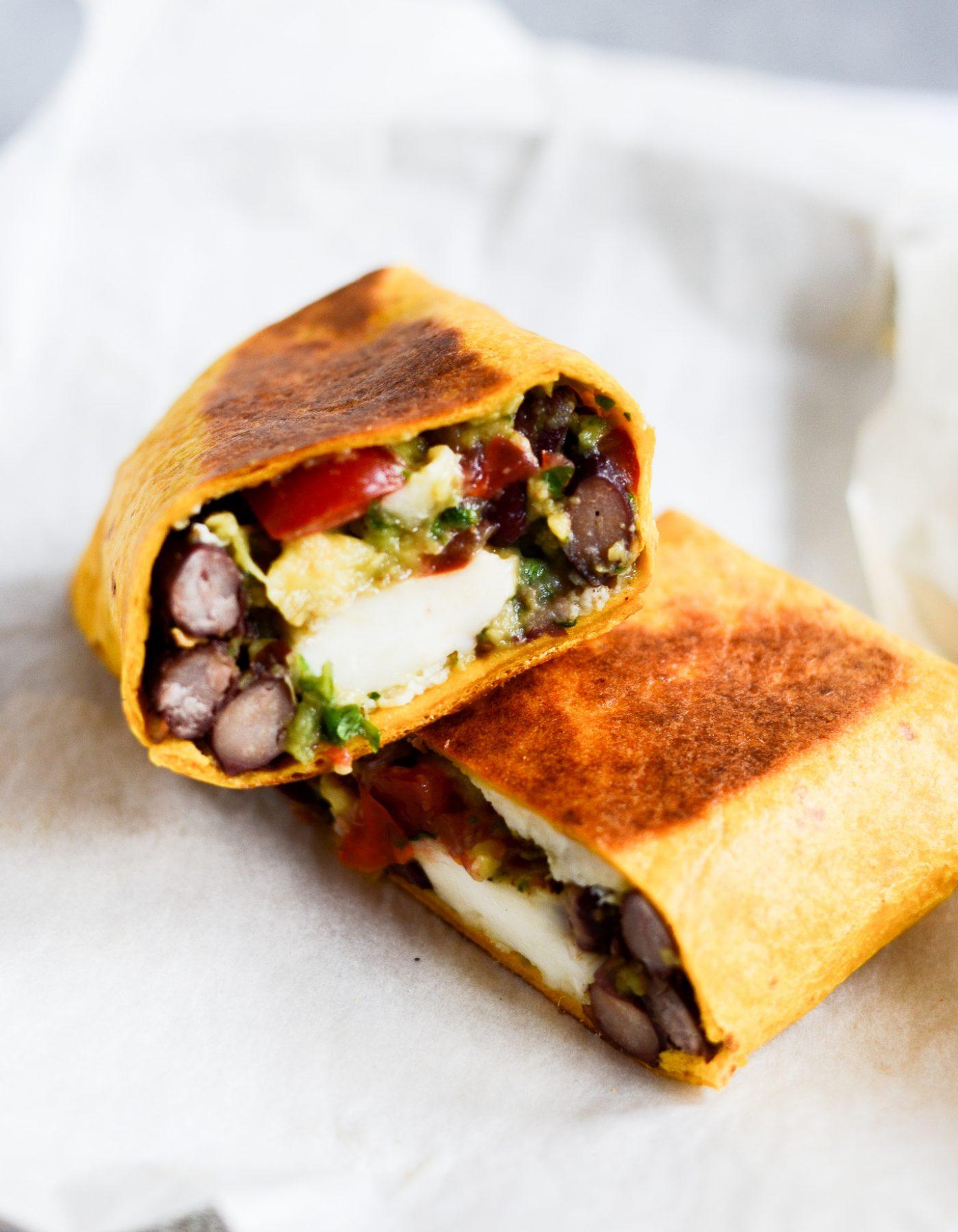 Vegetarisk burrito opskrift avocadosalsa bønner